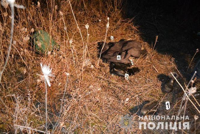 На Тернопільщині під час сварки чоловік 20 разів вдарив ножем дружину та себе