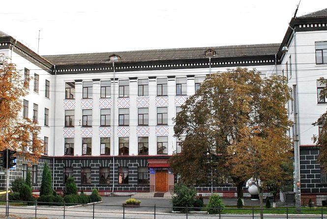 У Тернопіль з'їдуться представники із шостих шкіл з усієї України