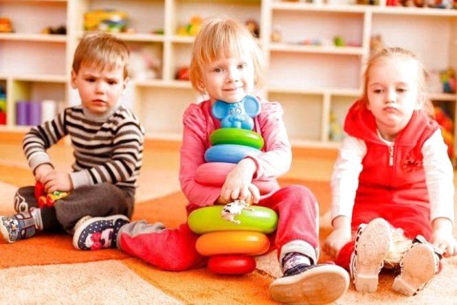 """У міській раді не визнають рішення суду і стверджують, що батьки """"нетернопільських"""" дітей і далі платитимуть 1215 грн за садок"""