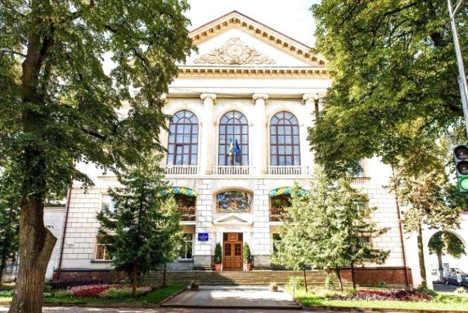 Тернопільська школа №3 має нового директора
