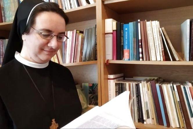 """""""Монастир - це не армія, не тюрма. Це просто стиль життя"""": ексклюзивне інтерв'ю із сестрою Софією, яка живе в Тернополі"""