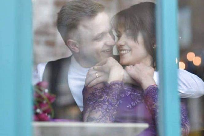 """Фото дня: у свій День народження учасник """"Тріоди"""" одружився із коханою"""