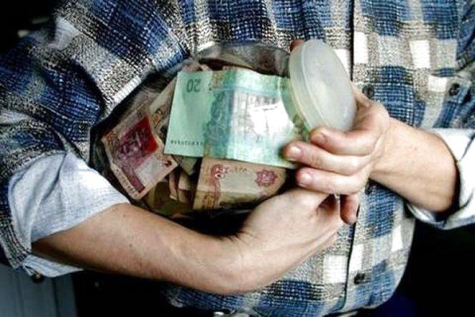 Житель Луганської області видурив у тернопільських пенсіонерів більше 117 тисяч гривень