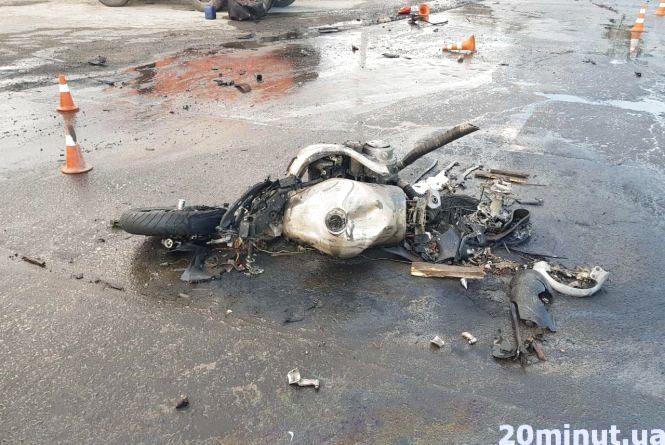 Неподалік Тернополя розбився мотоцикліст