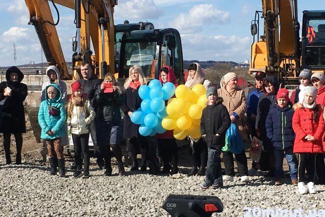 У Великій Березовиці заклали камінь під будівництво нової школи