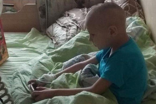 """""""Він мріє піти до школи та бути здоровим"""": мати 6-річного Ігорчика просить про допомогу на лікування"""