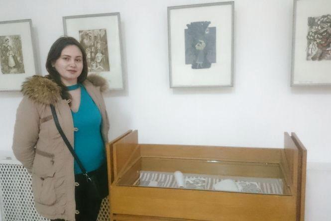 Тернополянка намалювала ілюстрації до Шевченкових творів на пряниках