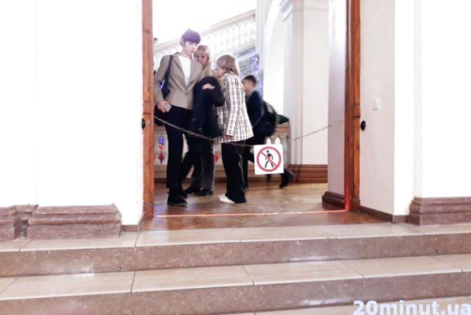 Скільки витрачають на обслуговування охорони в тернопільських школах