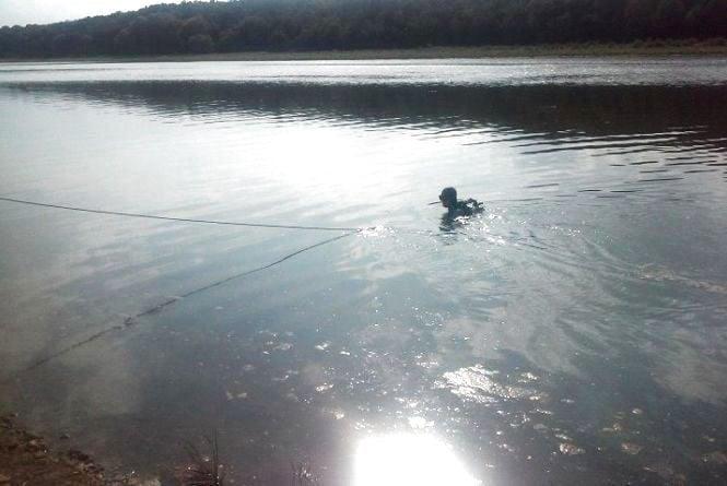 Нещасний випадок на Збручі: чоловік виявив у річці мертвого товариша