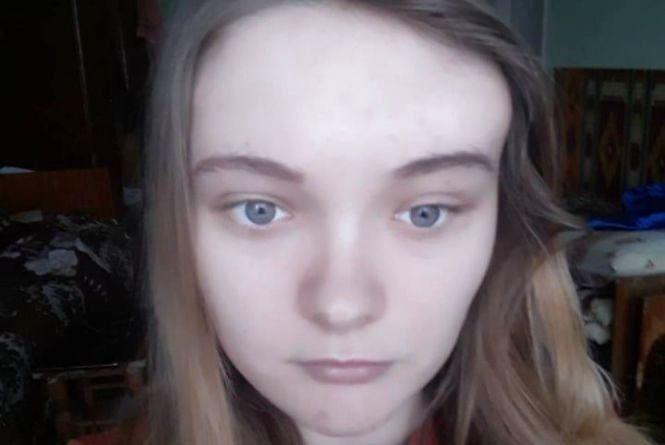 """""""Мені потрібна негайна операція """": 19-річна дівчина із Борщівщини просить людей про допомогу"""