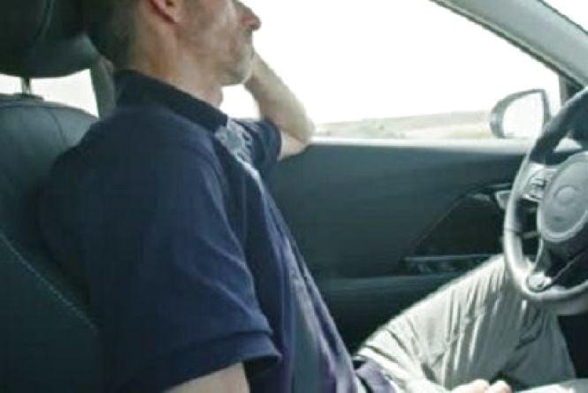 «Я - як священик: і послухаю,  і пораджу»: тернопільський таксист розповів, кого возить і скільки заробляє