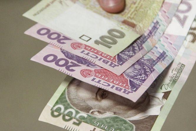 З 1 квітня Уряд запроваджує допомогу багатодітним: 1700 гривень на третю і кожну наступну дитину