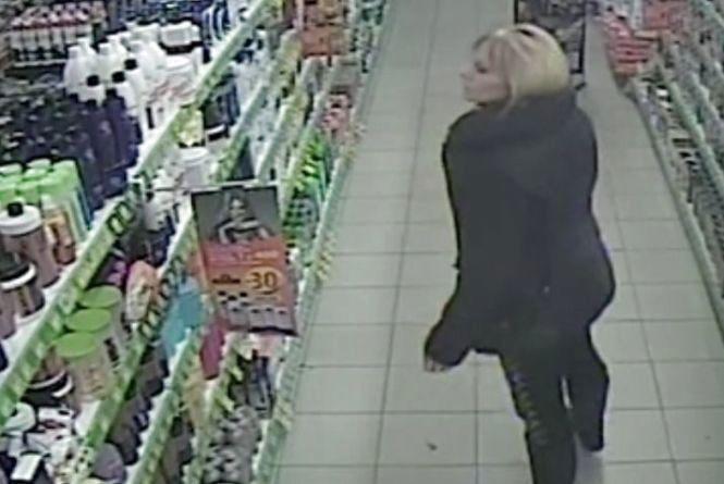 """У Тернополі із """"Єви"""" знову викрали товар. Поліція розшукує злочинців"""