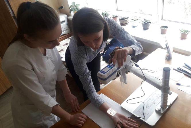 У Тернополі онкохворим діткам за благодійні кошти купили обладнання для обстеження