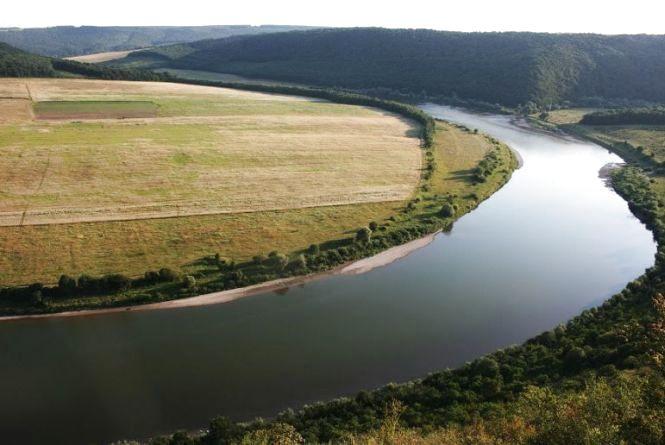 На Тернопільщині захопили землю у парку «Дністровський каньйон»