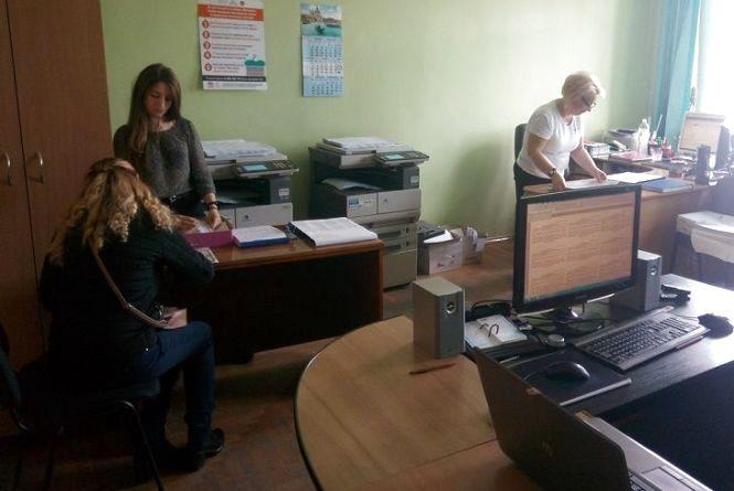Уже більше 5 тисяч жителів Тернопільщини змінили місце для голосування