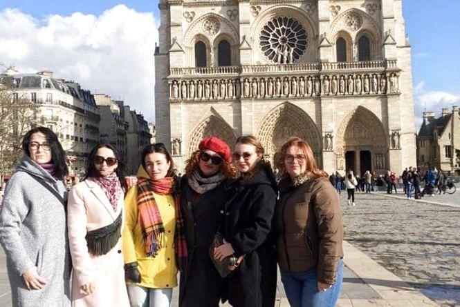 Pray for France… Тернополяни діляться фотографіями Собору Паризької Богоматері
