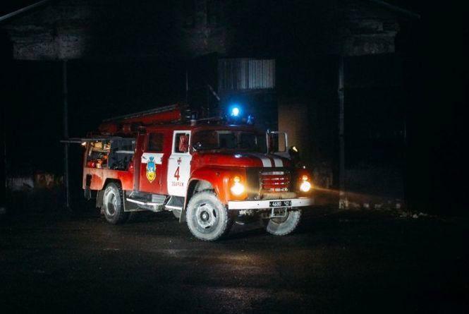 На Київській вночі горіла електропроводка
