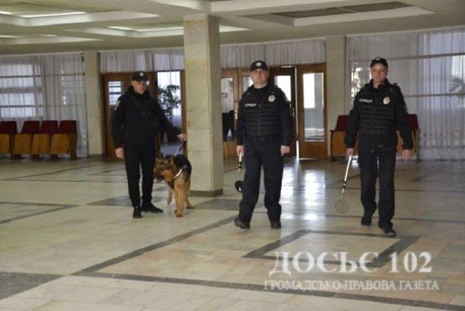 Правоохоронці обстежили виборчі округи та дільниці області