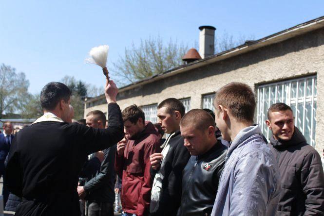 Перші новобранці весняного призову з Тернопільщини пішли на службу у Збройні сили України