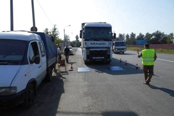 За проїзд вантажівками підприємство сплатило майже 50 тис грн штрафу
