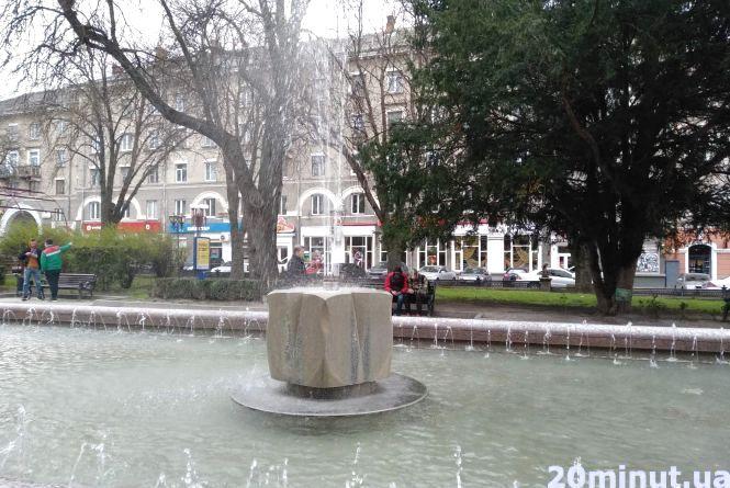 Чи працюватимуть фонтани на Великдень