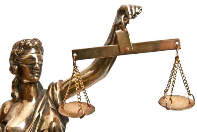 Суд оштрафував тріо, яке займалось пікантним бізнесом