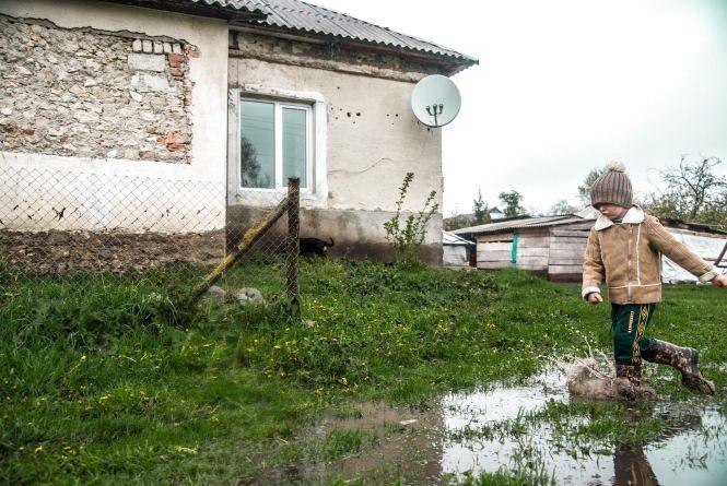 Плавали меблі, змило городи і потопились поросята – на Тернопільщині негода наробила біди