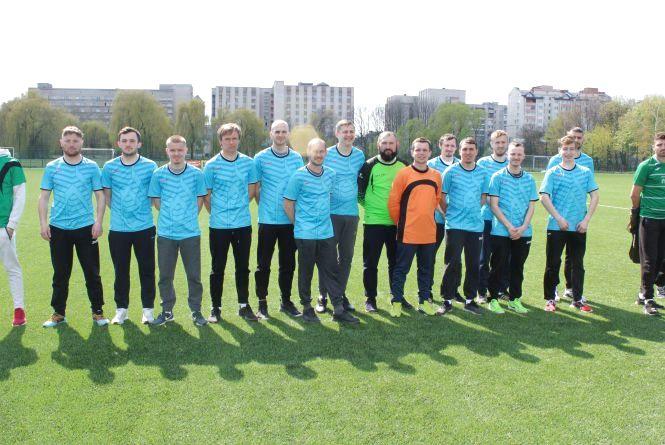 """Футболісти """"Інваспорту"""" здобули третє місце на зональному чемпіонаті України"""