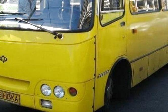 У Провідну неділю, 5 травня до міських кладовищ курсують додаткові автобуси