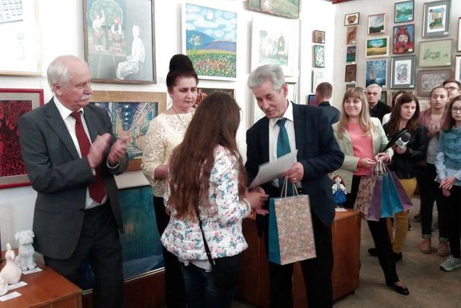 Учні мистецьких шкіл Тернопільщини представили майже 400 рукотворів