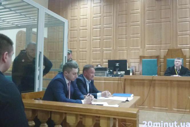 Просив вибачення у мами загиблого Віталія Гнатишина і питав у експерта, чи міг хлопець вижити