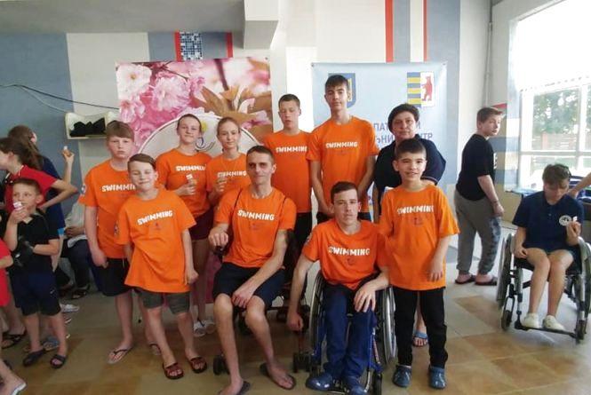 Тернополяни показали клас на першості Закарпаття з плавання