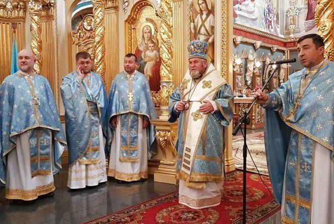 Митрополит Василій (Семенюк) та о.-мітрат Володимир Фірман отримали високі державні нагороди