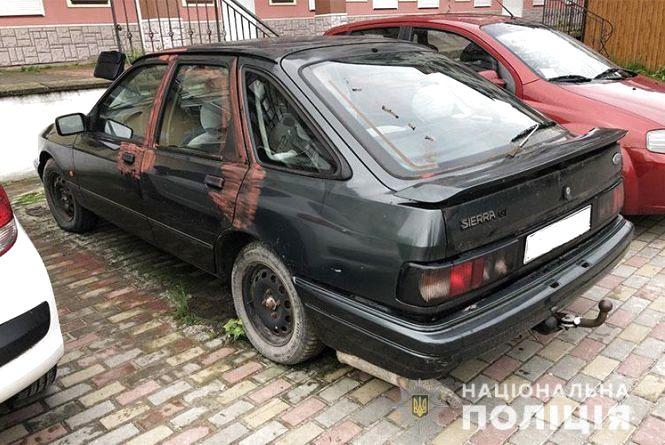 У Тернополі сусіди завадили викрасти автомобіль