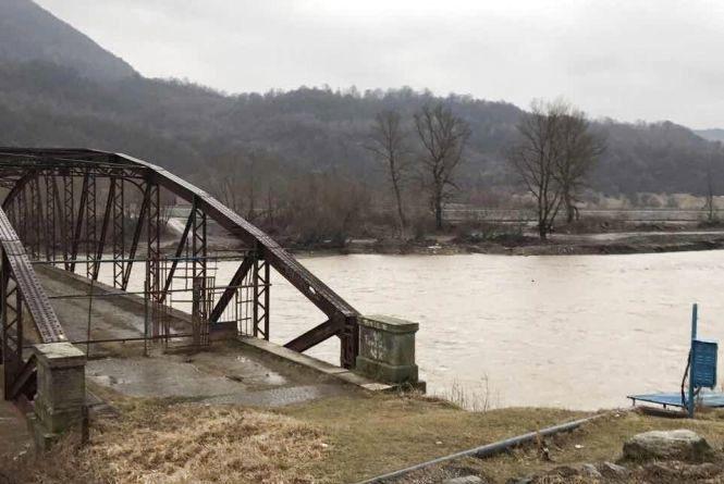 Рятувальники попереджають про підняття рівня води у Дністрі: як діяти у випадку повені чи паводку