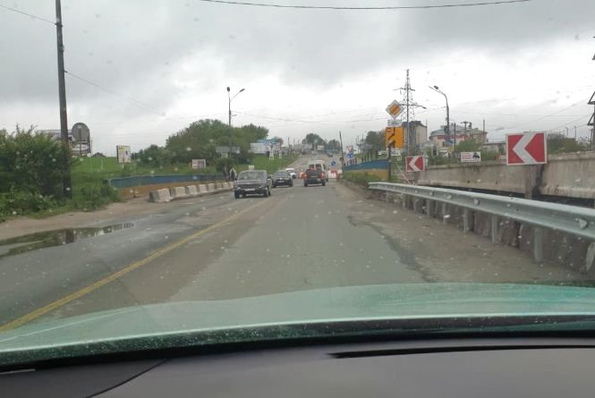 Спроба №3: на Гаївському мості встановлять обмежувачі висоти з рамою