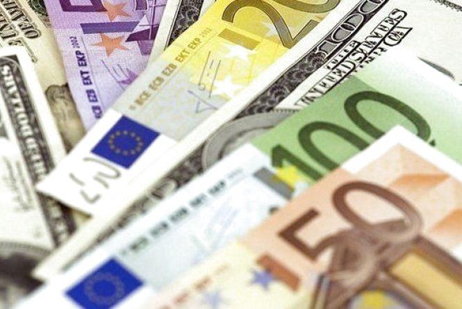 Курс валют на 24 травня: долар дорожчає, євро дешевшає
