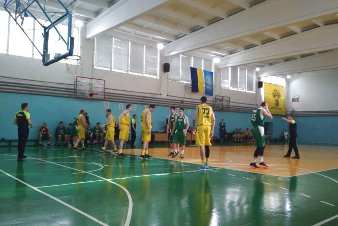 """Баскетбольний клуб """"Тернопіль"""" змагається за """"бронзу"""" Вищої ліги"""