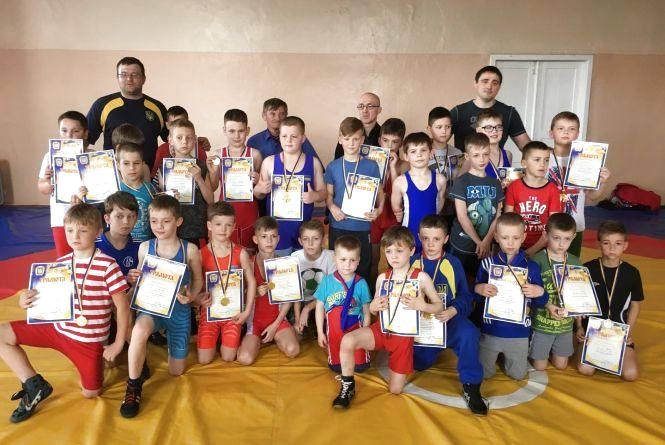 Протягом двох днів у Тернополі змагались наймолодші борці