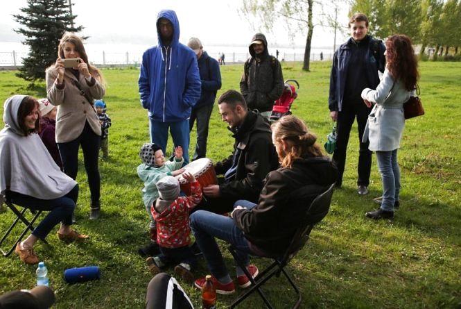 Біля модринок буде йога, лекція та музика заради збереження парку Шевченка від забудови
