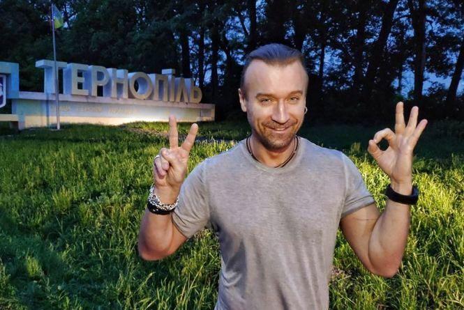 Фото дня: Олег Винник уже приїхав у Тернопіль