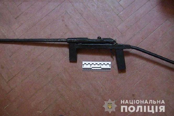 Карабін з лісу і граната: на Тернопільщині продовжують вилучати зброю