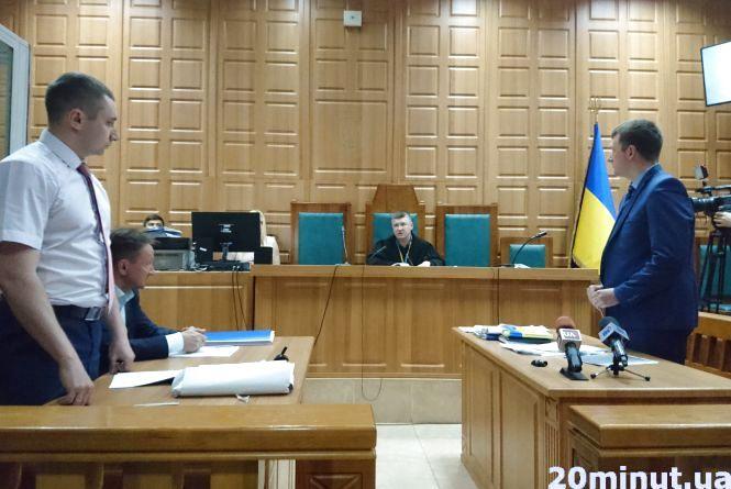 """""""Адвокат хоче довести, що син помер не від ударів """", - батьки загиблого Віталія Гнатишина"""