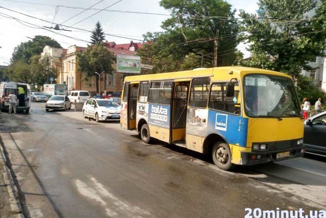 У Тернополі судитимуть винного у ДТП, в якій на Острозького маршрутка збила дівчинку