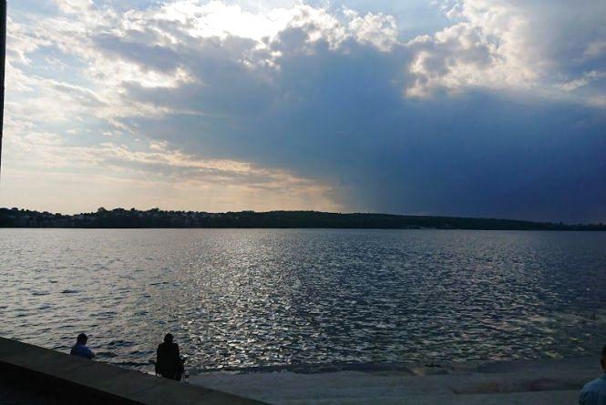 Погода у Тернополі: +24, дощ, грози