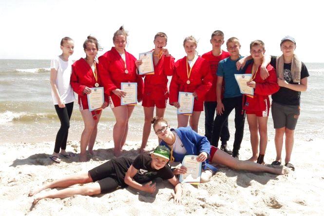 Тернопільські студентки стали призерками чемпіонату України з пляжного самбо