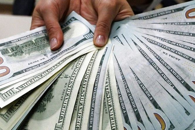 Курс валют на 10 червня: гривня посилилася