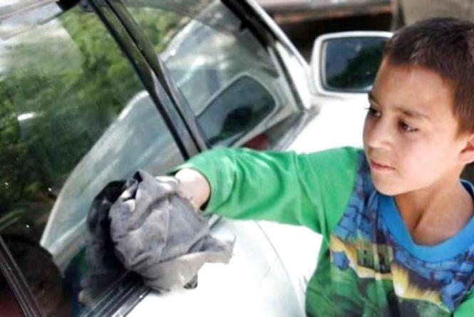 Цей день в історії: 12 червня, Всесвітній день боротьби з дитячою працею
