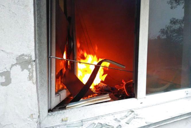 В дев'ятиповерхівці на 15 Квітня загорілася квартира